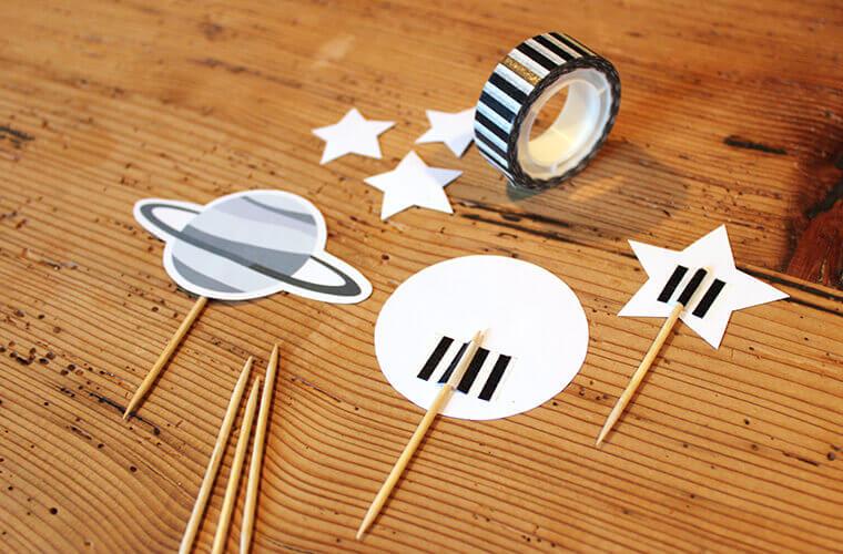 Astronauten-Party Motive an Zahnstocker ankleben