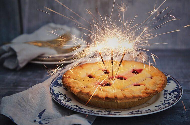 Snack-Ideen: Kuchen mit Kerzen für den Kindergeburtstag