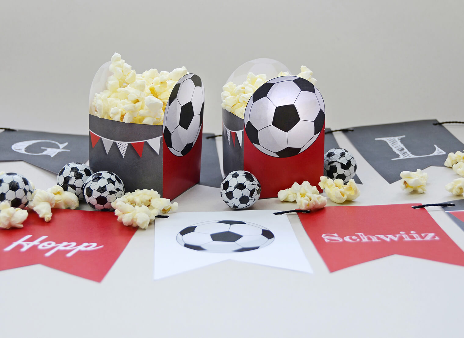 Bastelbogen Fussball-Party, Popcornbox und Girlande